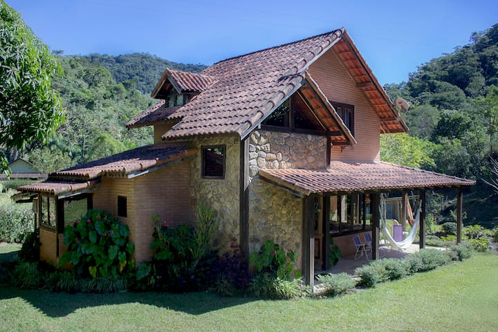 Toca da Onça Cottage - Nova Friburgo - Earth House