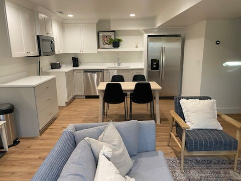 2 bedroom basement apartment with free parking