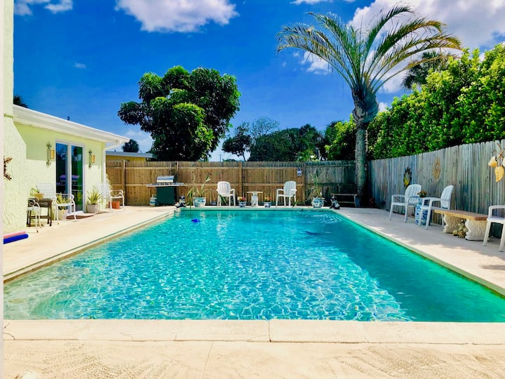 Pool and Cabana Oasis in Central Merritt Island!