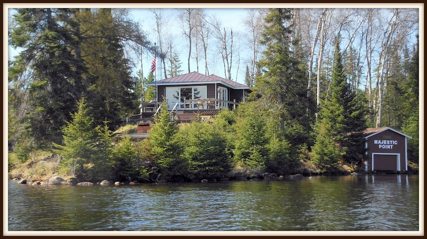 The Guest House on Majestic Point-Lakefront
