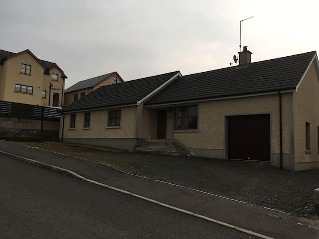 Fully Serviced House near the North Coast