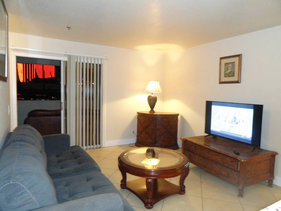 Great Location 3 Bed 2 Full Bath Across From Rio Condominiums For Rent In Las Vegas Nevada