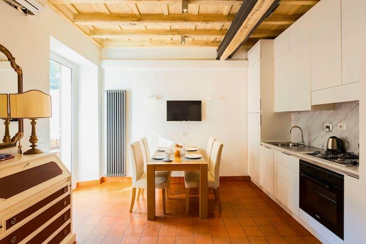 Accogliente Appartamento a Monti