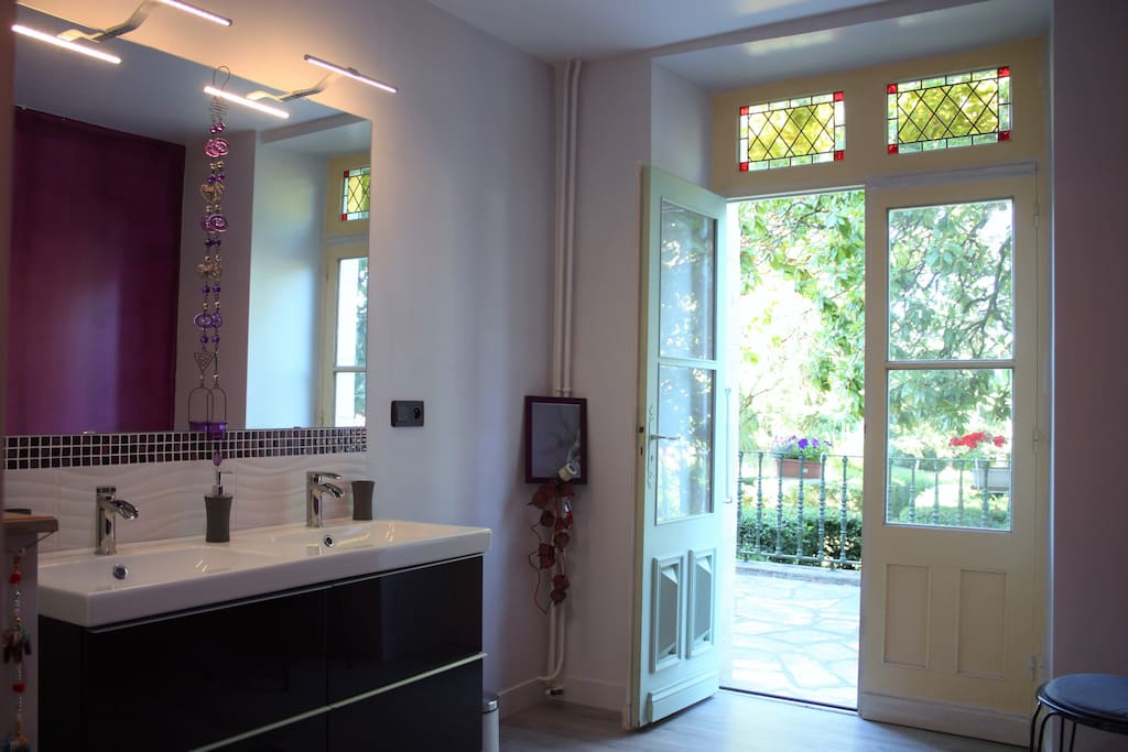 Chambre calme et luxueuse aux portes du p rigord maisons for Chambre luxueuse