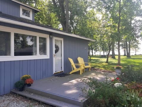 Charming Lake Cottage in Northwood on Grand Lake