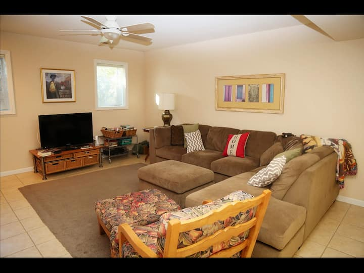 2 bedroom apartment, separate entrance