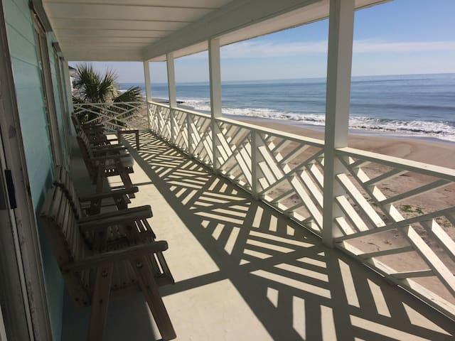 Oceanfront Beauty - The Island Manor, Edisto Beach
