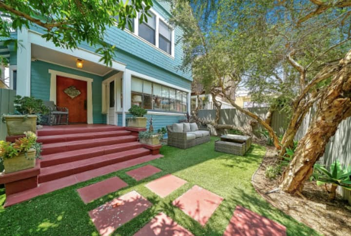 STEPS to the Beach - Renovated 1910 Craftsman