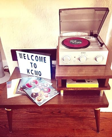 Some local and otherwise VINYL to spin for your listening pleasure.
