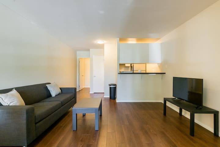 Minimalist  1BR Apartment 15 minutes from SJC!
