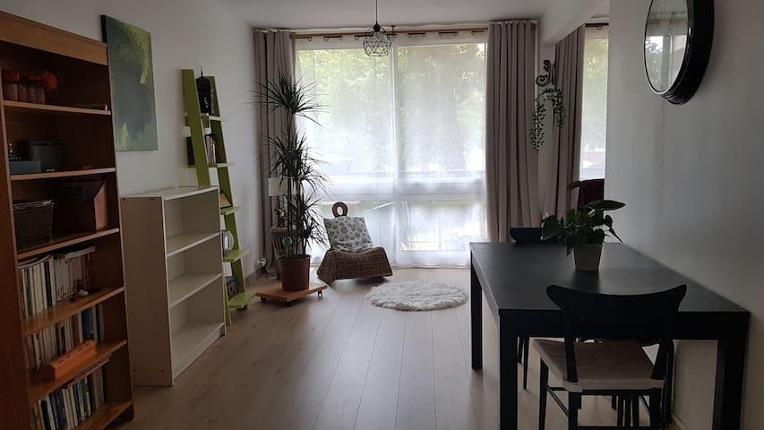 Appartement traversant, résidence calme
