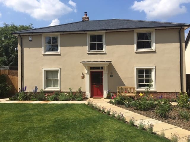 Ensuite double : Stylish house in Suffolk village