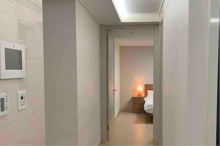 대우조선소 도보 10분 :: 신축건물 & 심플 모던 호텔식 + 거제도의 랜드마크 아파트