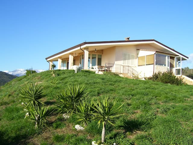 Near Sabaudia:Villa/rural house - Priverno - Villa