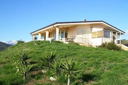 Near Sabaudia:Villa/rural house - Priverno