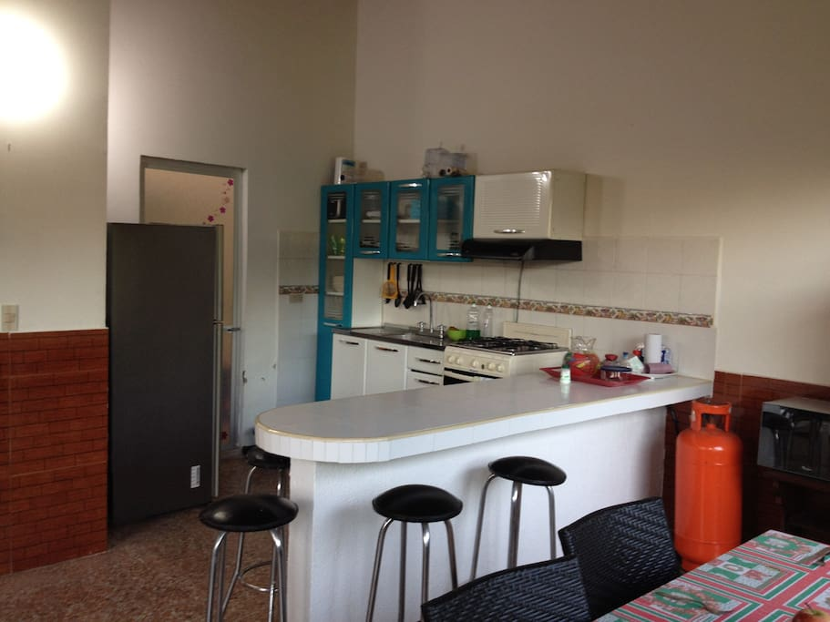 Cocina y barra