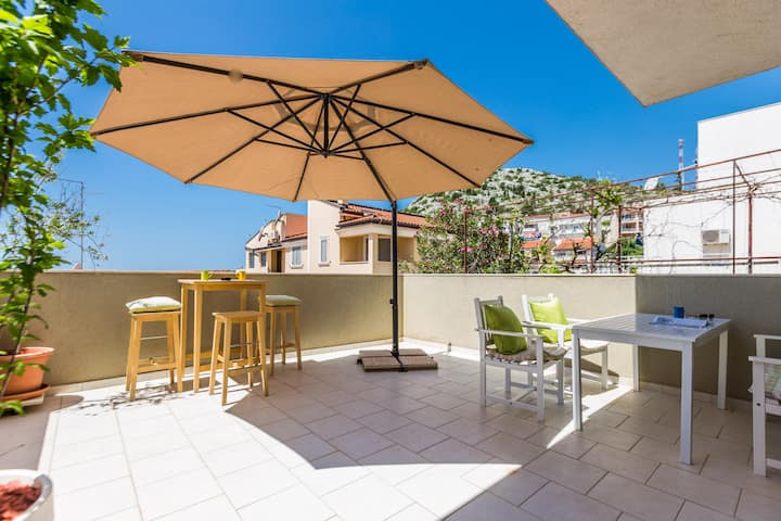 APARTMENT JANA 4****