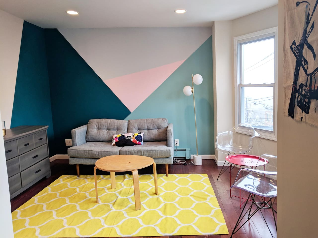 Bright and stylish common area for hanging out, having coffee or playing board games
