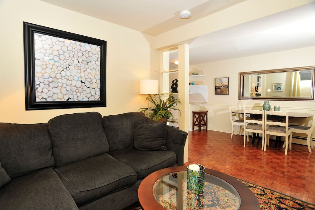 open concept newly renovated 2 bedroom 1100 SqF apartment.
