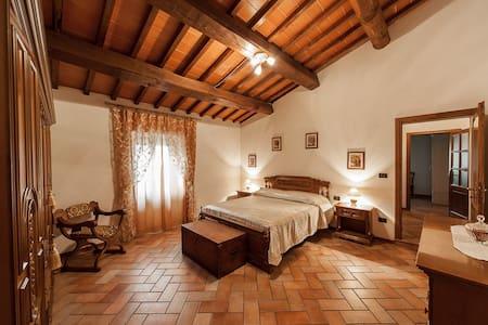 LA CASA TOSCANA IN AREZZO - Castelluccio - Rumah