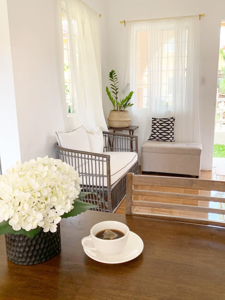 Clean & Cozy 3-Room House Near Robinsons