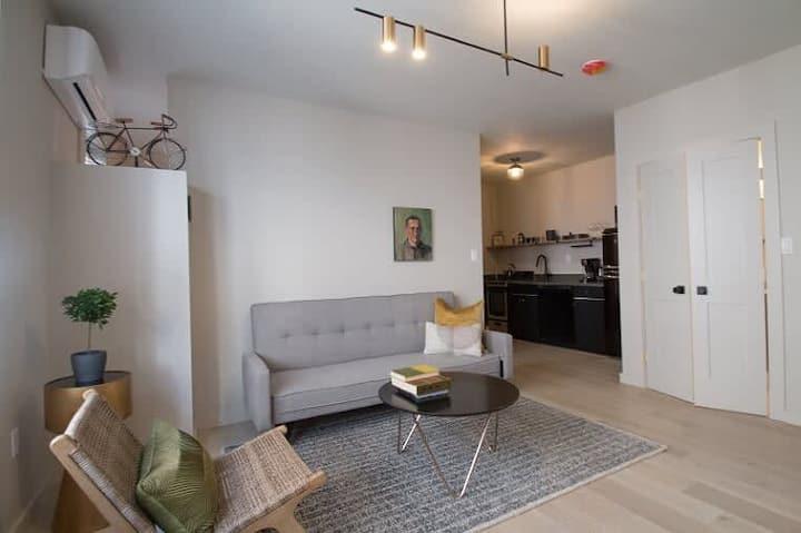 Chic Designer Apartment - Downtown - Sleeps 3 - #3
