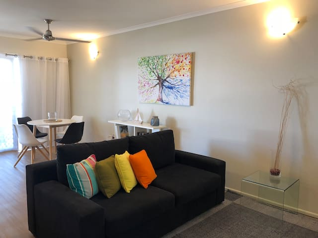 Luxury Boutique Apartment - Trinity Beach