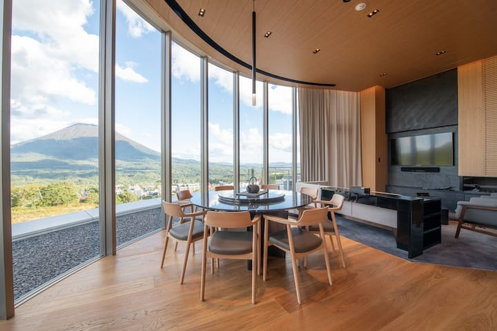 Skye Niseko 3 Bedroom Penthouse