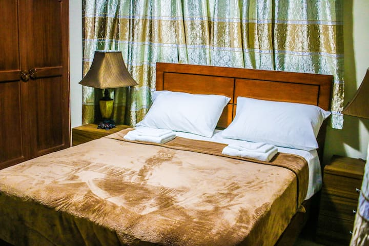 Sentro Suites BnB | Couple's Room in Davao Center