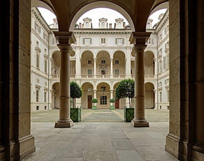 Palazzo Saluzzo Paesana - Il cortile d'onore