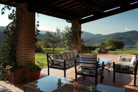 Farmhouse in Umbria with pool - Perugia - Villa