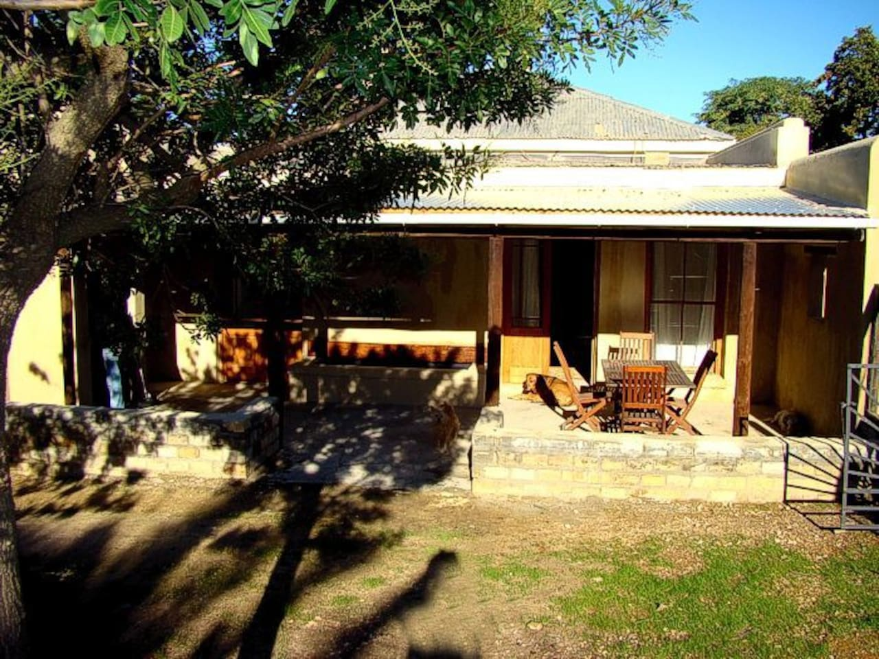 Garden cottage with own stoep and braai place