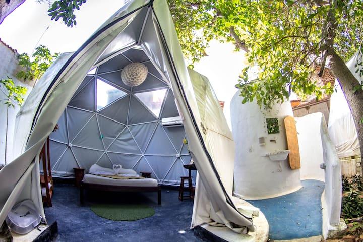 Mundomo Glamping - Private Dome 1