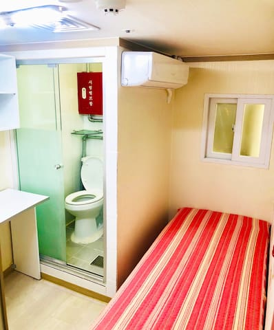 [Seoul st] Private room with Private bathroom 1