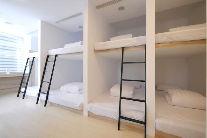 [Shin Sei Bashi Hotel] Female Backpacker Dormitory