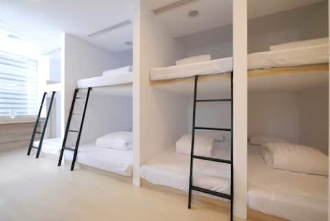[Shin Sei Bashi Hotel] Female Backpacker Dormitory