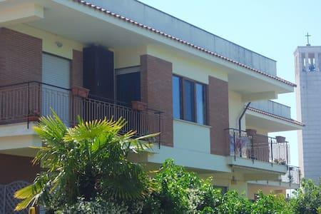 Centralissimo con terrazzo - Sabaudia