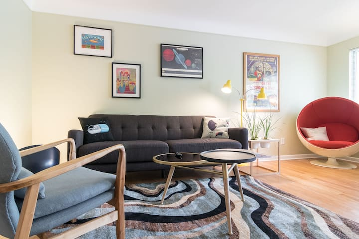 Mid-Century Duplex on Westside-2 Bedroom/1 Bath