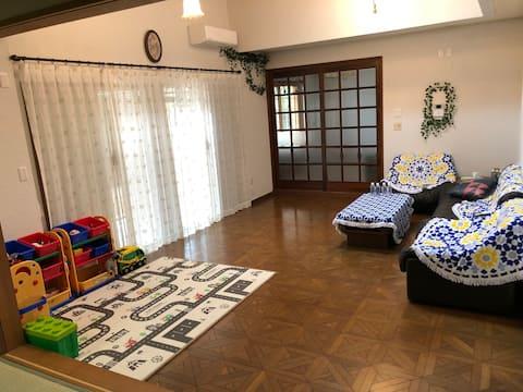 成田空港近く日本近代風御邸,(HOUSE NORIHIKO)ファミリー大歓迎,送迎でき、駐車場あり