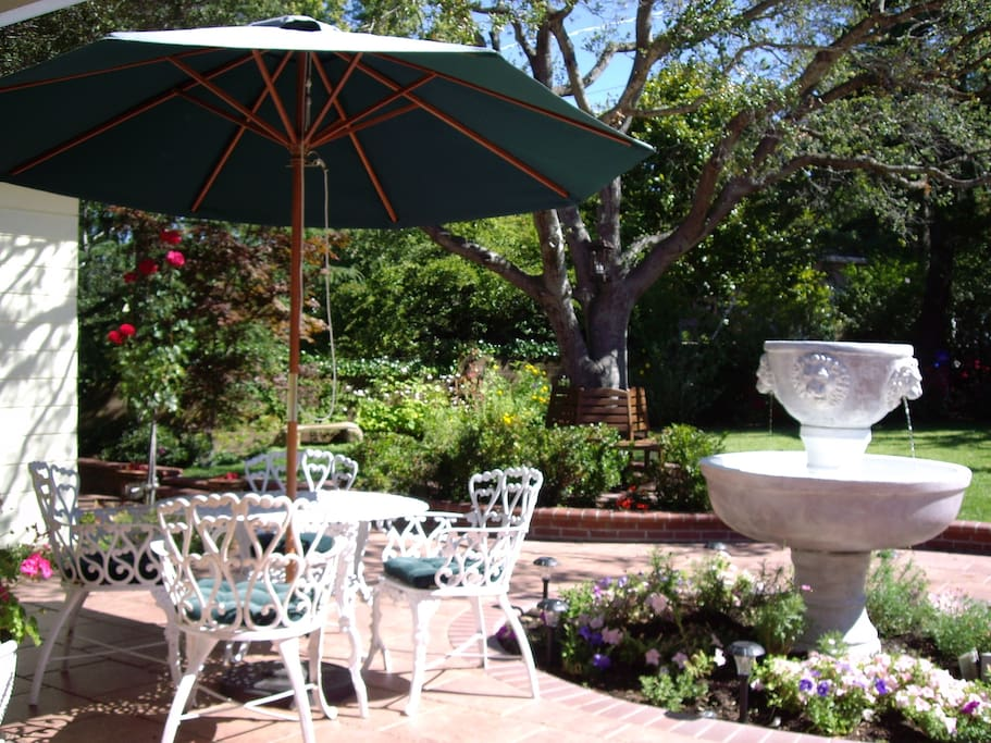 Beautiful park-like setting perfect for outdoor barbecue or just relaxing in the sun