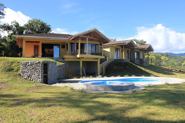 Casa Ceiba overlooks Arenal Volcano