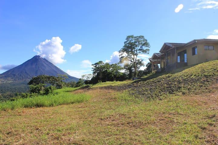 Arenal Volcan produces a steam cloud Nov 2012 as Casa Ceiba watches