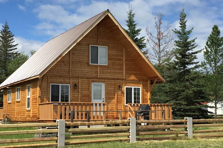 Cozy Cabin stay at Lac La Nonne