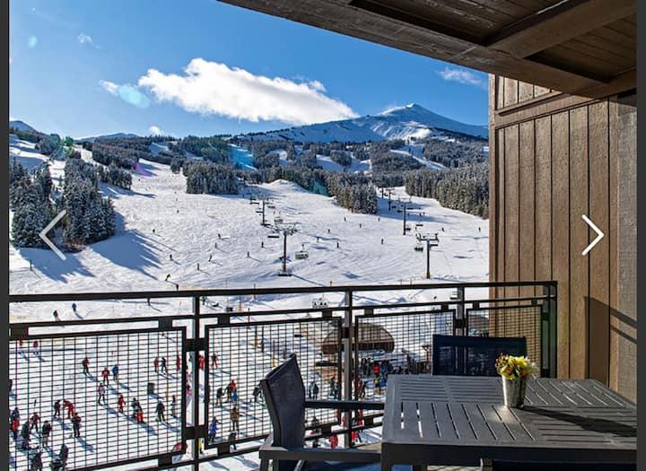 Grand Colorado Peak 8 Suite w/ View & Parking 3