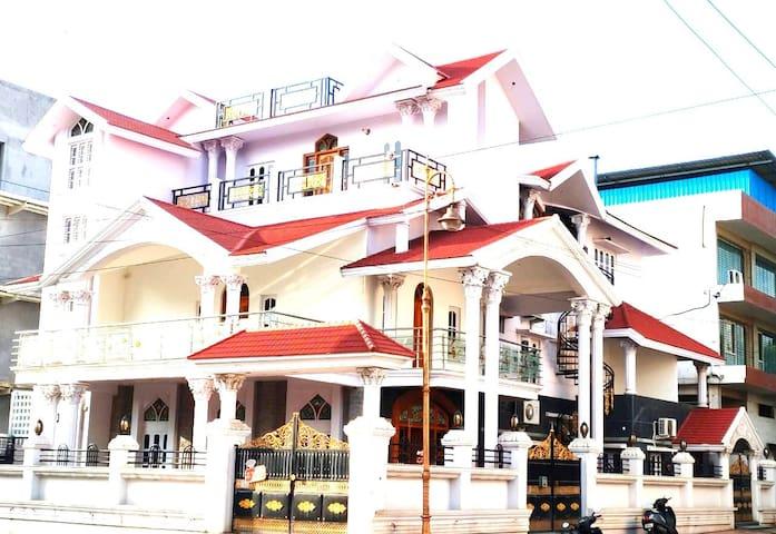 Affordable Luxury - Private Villa