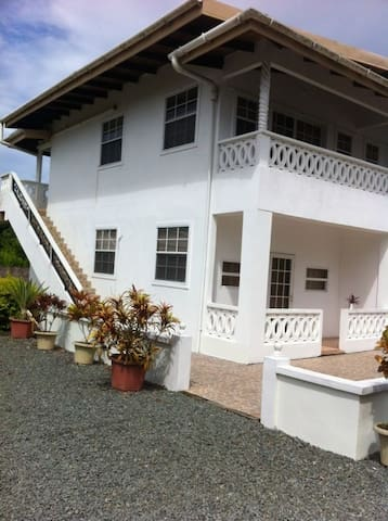 4 luxury apartments(Mollz Hideaway) - Golden Grove - Leilighet