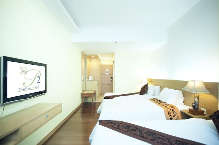 bright roomy space near platinum for 3 guests