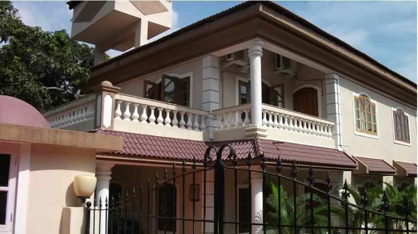 Villa at Parra - North Goa - Vila