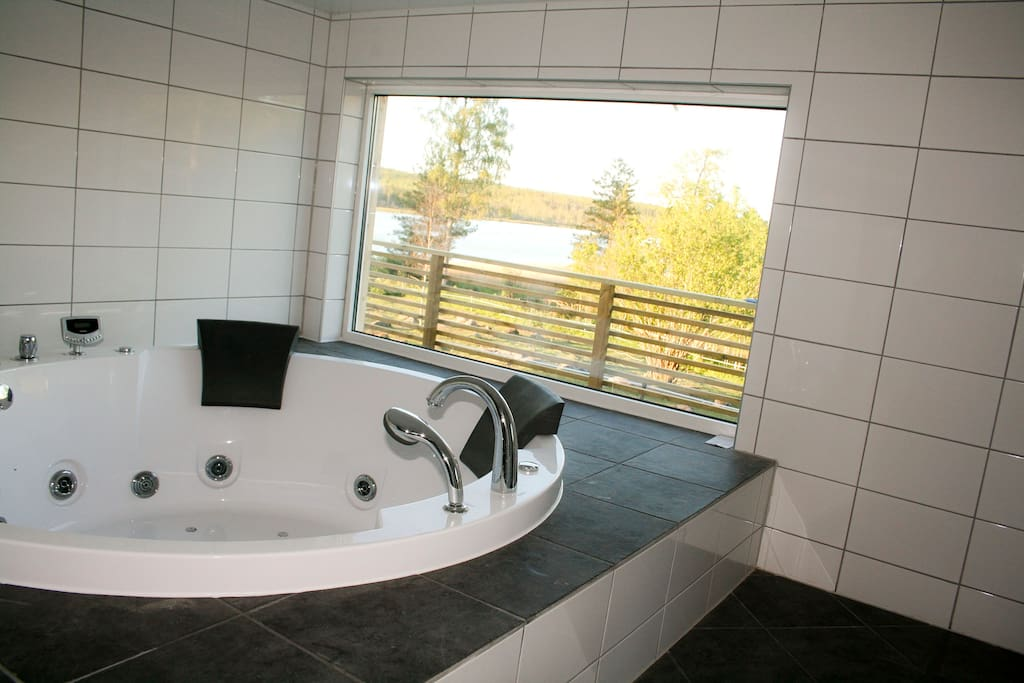 by the lake jacuzzi and sauna h user zur miete in mullsjo j nk ping county schweden. Black Bedroom Furniture Sets. Home Design Ideas