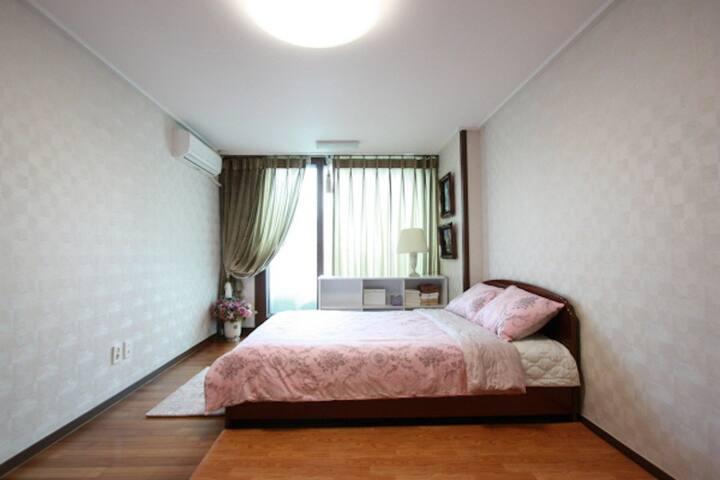 Private Room Near Mountain,Stream